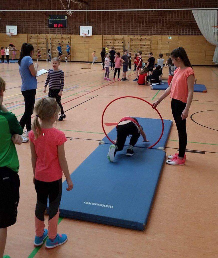 Kooperation mit der GS Aeschach – Gerätturnen